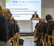 Ferdinand Kirchhof, früherer Vizepräsident des Bundesverfassungsgerichts, spricht am ZEW zum europäischen Steuerrecht.