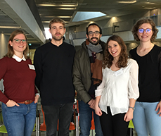 Die ZEW-Mitarbeiterinnen und Mitarbeiter (v.l.) Carina Fugger, Marius Alt, Albert Roger, Elisa Rottner und Vera Huwe während des AURö-Workshops an der Universität Kassel.