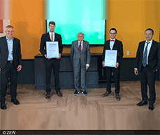 Award winners and jury members: Carsten Müller, Dr. Martin Lange, Professor Wolfgang Franz, Ralf Landeck, Thomas Kohl (from left).